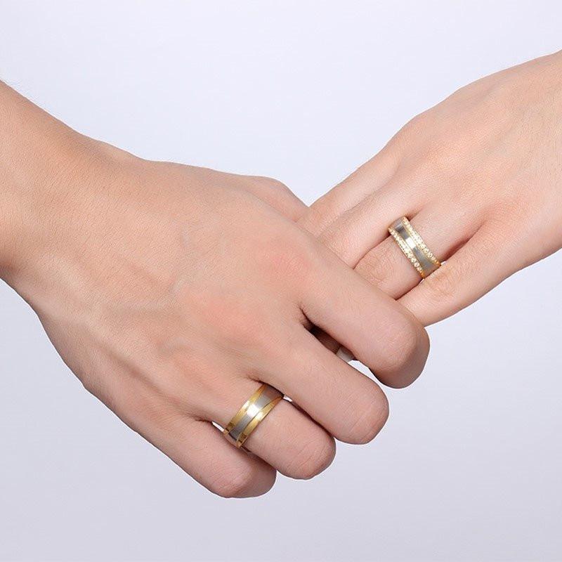 Aliança de aço banhada a ouro 18k e ouro branco 8mm