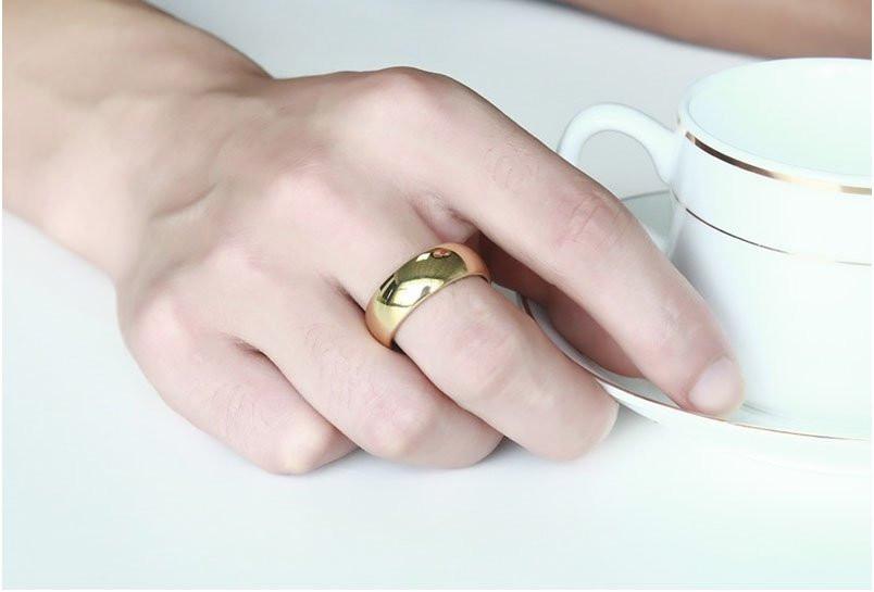 Aliança tungstenio banhada a ouro tradicional 8mm